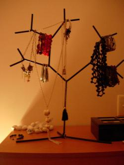 Sculpted Jewelry Tree for Women Jewelry
