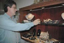 Ohio Jeweler Wins Award