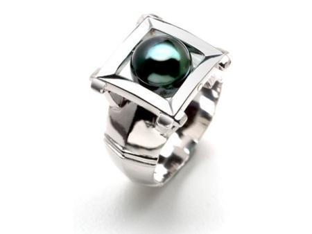 man's jewelry ring
